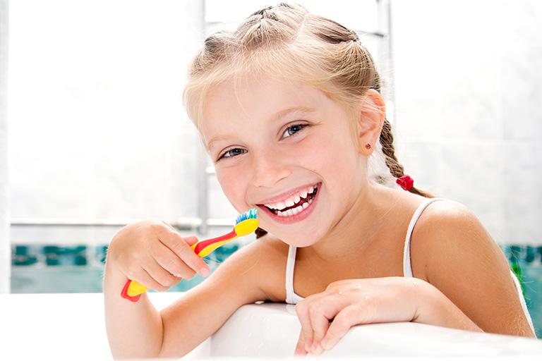 Kinderberteuung in der Zahnarztpraxis Busche